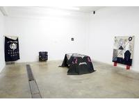 [http://ualresearchonline.arts.ac.uk/13042/2.hasmediumThumbnailVersion/Installation%201%20small.jpg]