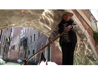 [http://ualresearchonline.arts.ac.uk/3811/1.hasmediumThumbnailVersion/Alessandro_still_30cm.jpg]