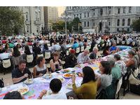 [http://ualresearchonline.arts.ac.uk/8098/16.hasmediumThumbnailVersion/70x7_The_Meal_Philadelphia_-_26.jpg]